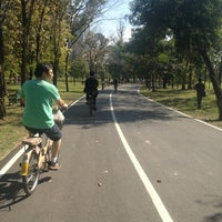 1/6/2013 tarihinde ✨Rainy✨ .ziyaretçi tarafından Vachirabenjatas Park (Rot Fai Park)'de çekilen fotoğraf