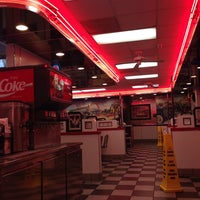 Photo taken at McDonald's by Meshari♡ on 10/25/2013