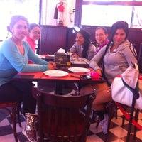Foto tomada en Central De Pizzas por Danaé R. el 6/1/2014