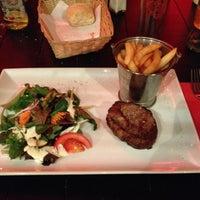 Photo prise au LOFT Resto & Bar par Fatima S. le1/2/2014