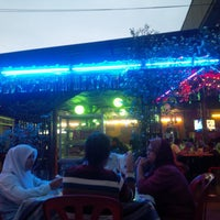Photo taken at restoran rakyat tanjung malim by Hans on 7/26/2014