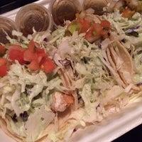 Das Foto wurde bei Pacos Tacos von Sunny P. am 1/14/2014 aufgenommen