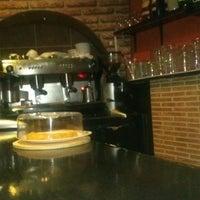 Foto tomada en Bar El Fronton por Santi S. el 8/19/2013