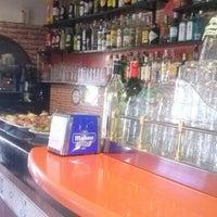 Foto tomada en Bar El Fronton por Santi S. el 10/4/2013