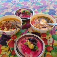 Photo taken at cendol wan telor by m.a c. on 11/29/2014