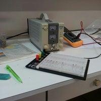 Photo taken at Laboratório de Circuitos e Sistemas Digitais by Jacqueline Tatiani on 4/2/2013