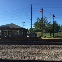 Photo taken at Metra Train Station - Lisle by Shannon H. on 6/28/2016