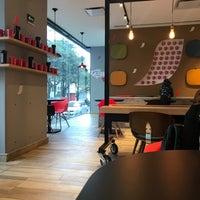 Foto tomada en Nescafé por Hassel L. el 2/18/2018