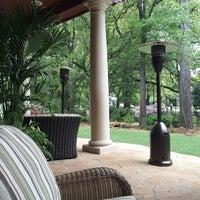 Снимок сделан в The Trellis Spa - The Houstonian Hotel пользователем Angela L. 4/2/2014