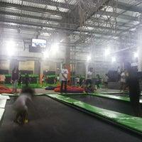 Photo taken at Jump Mania by Renan S. on 8/8/2014