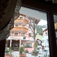 Das Foto wurde bei Restaurant Hotel Sonne von Юнчик ☀️ am 3/31/2015 aufgenommen
