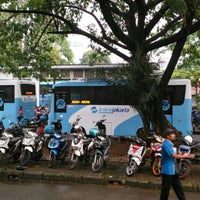 Photo taken at Halte TransJakarta Departemen Pertanian by Princhesta on 12/27/2015