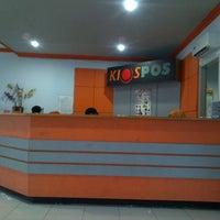 Photo taken at Kantor Pos Pettarani by Egi R. on 1/15/2014