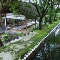 Foto diambil di Moro Lejar Restaurant oleh Herry M. pada 6/13/2017