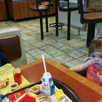Photo taken at McDonald's by Mirella B. on 9/1/2015