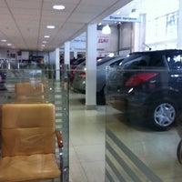 Photo taken at Nissan by LENTOCHKA S. on 9/7/2013