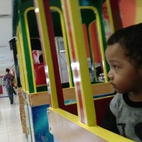 Photo taken at Giant Supermarket Palur Plaza by Yl F. on 3/15/2013