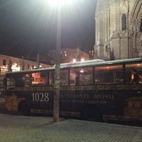Photo taken at City Tour- Restaurante Móvil Casa 1028 by Leonardo B. on 9/9/2015