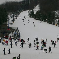รูปภาพถ่ายที่ Liberty Mountain Resort โดย Ed B. เมื่อ 3/2/2013