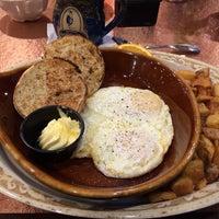 Das Foto wurde bei Another Broken Egg Cafe von Bobby C. am 3/12/2014 aufgenommen