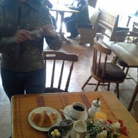 รูปภาพถ่ายที่ Kuchen Stube โดย Dayana O. เมื่อ 2/17/2014