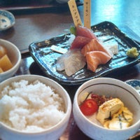 Photo taken at とびっきり旨い酒と魚 名駅漁港 by KazH on 5/9/2013
