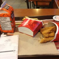 Photo taken at Wendy's by Vangie T. on 10/17/2013