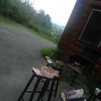 Photo taken at Amazing Grace Cabin by Moly S. on 8/19/2014