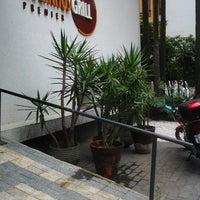 12/4/2012 tarihinde Marcus Vinicius B.ziyaretçi tarafından Paulinho's Grill'de çekilen fotoğraf
