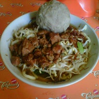 Photo taken at Mie Ayam Baso Jabrig by Adie S. on 6/23/2013