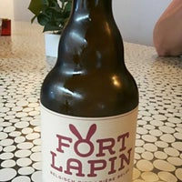 Photo taken at Brouwerij Fort Lapin by Sébastien B. on 8/8/2017