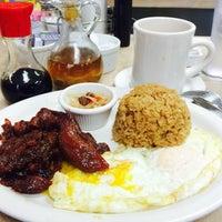Photo taken at Fairfax Inn Restaurant by Donna Mc on 9/12/2015