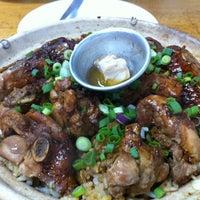 Photo taken at Huen Kee Claypot Chicken Rice by Ken W. on 1/12/2013