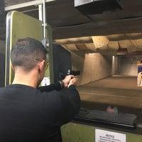 2/8/2018 tarihinde Evandro A.ziyaretçi tarafından Bullseye Gun Range'de çekilen fotoğraf
