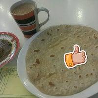 Photo taken at Mehran Restaurant by Amidi A. on 9/12/2017
