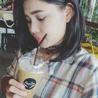 Photo taken at One Tea Coffee by Nupalmz L. on 8/28/2016