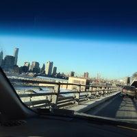 Снимок сделан в Hamilton Avenue Bridge пользователем Sergey S. 1/29/2014