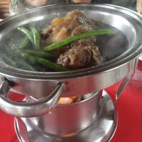Photo taken at Diner's Original Bulalo, Tagaytay by Lacey R. on 12/12/2015