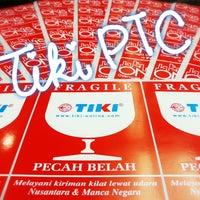 Photo taken at TIKI PTC - Comm Care Surabaya by Yuni U. on 8/17/2013