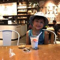 8/26/2017にMark K.がFEED Shop & Cafeで撮った写真