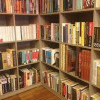 3/11/2014 tarihinde Canan E.ziyaretçi tarafından Tasarım Bookshop Cafe'de çekilen fotoğraf