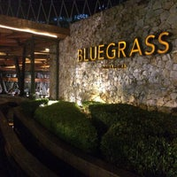 Foto tirada no(a) Bluegrass Bar & Grill por Aline D. em 3/24/2017