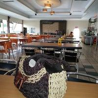 Photo taken at Ambar Ketawang Resto by herlina C. on 9/27/2014