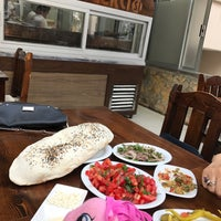 Foto tirada no(a) Ada Ciğercisi por Gözde💎 em 8/16/2017