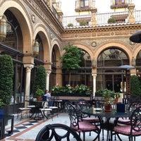 Foto tomada en Hotel Alfonso XIII por Susana N. el 11/7/2013