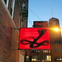 Photo prise au Cobra Lounge par Burt R. le2/16/2012