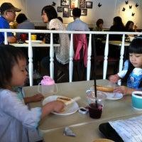 Photo taken at 曼咖啡 Famonn Coffee by Nancy C. on 9/28/2013