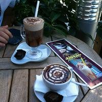 9/12/2013 tarihinde Merve V.ziyaretçi tarafından Kahve Dünyası'de çekilen fotoğraf