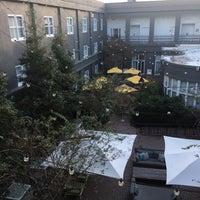 Das Foto wurde bei Kimpton Brice Hotel von Amelia M. am 11/14/2017 aufgenommen