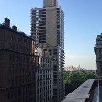 Foto scattata a Weill Terrace and Terrace Room da Amelia M. il 7/18/2017